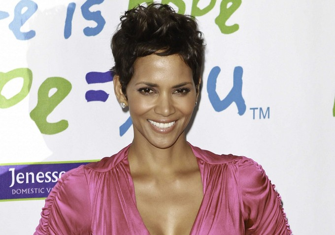 halle berry to star in brad anderson s call center thriller the hive indiewire. Black Bedroom Furniture Sets. Home Design Ideas