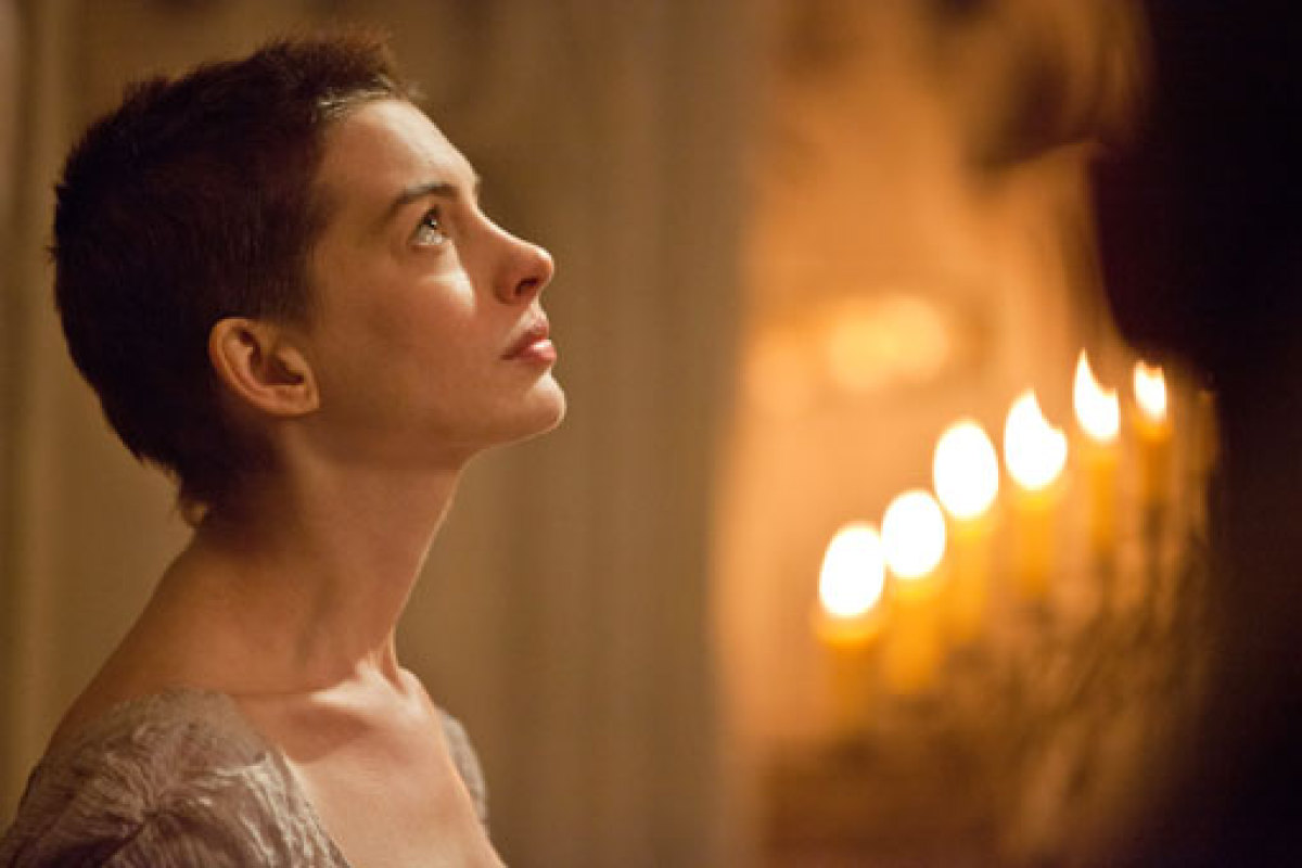 Watch: Anne Hathaway Dreams A Dream In First Trailer For 'Les Miserables' |  IndieWire