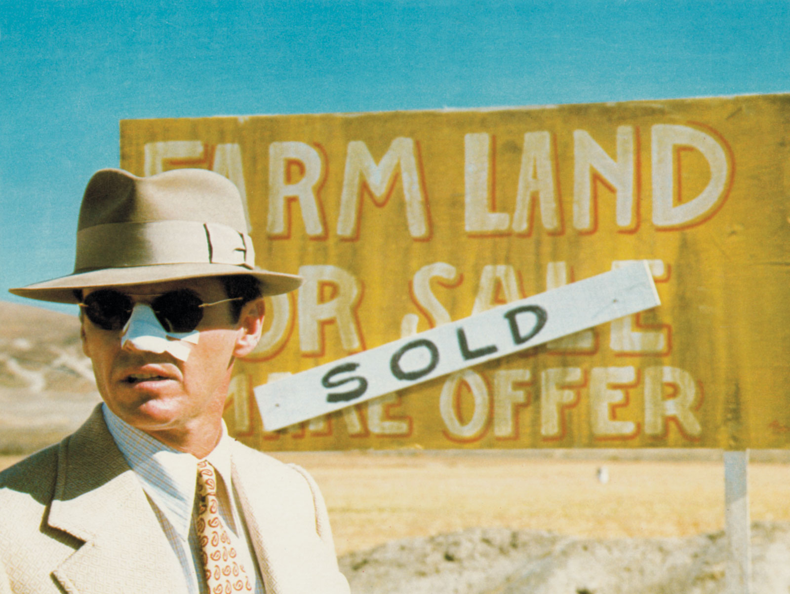 an analysis of chinatown a film by roman polanski Roman polanski's hollywood film chinatown, directed in 1974, tells the story of jake gittes,  postcards from chinatown - analysis 1299 words | 6 pages.