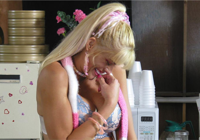 Review: A Look Into A Nightmare Indie Shoot In 'Addicted To Fame ...
