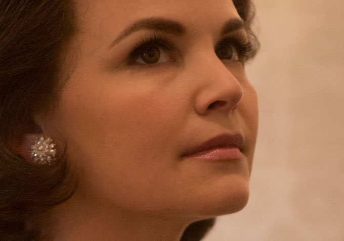 First Look Ginnifer Goodwin As Jackie Kennedy In Natgeos Killing