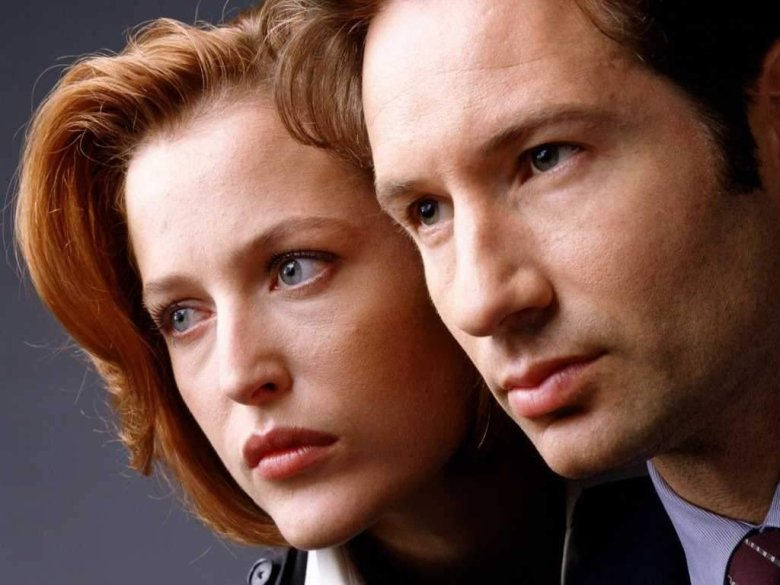 yes scully and mulder are still in love the 10 best moments from