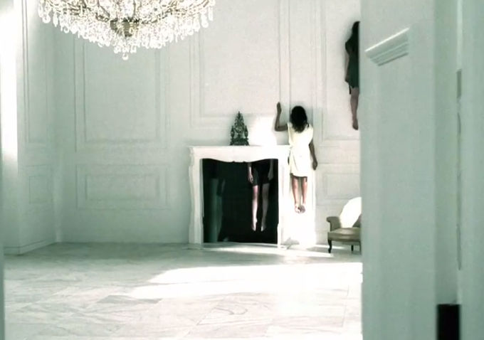 Watch A New Teaser For American Horror Story Coven Will Have You Climbing The Walls Indiewire