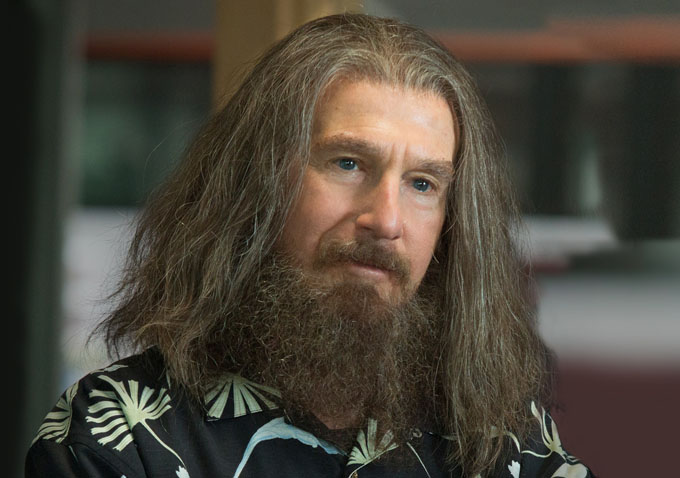 Clear History Director Greg Mottola Talks Working With Larry David