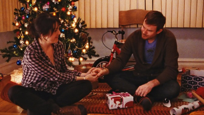 sundance review happy christmas starring anna kendrick lena dunham melanie lynskey and mark webber is joe swanberg s most accessible work indiewire sundance review happy christmas