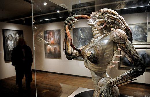 Watch Revisit The Eerie Art Of Alien In Dark Star H R