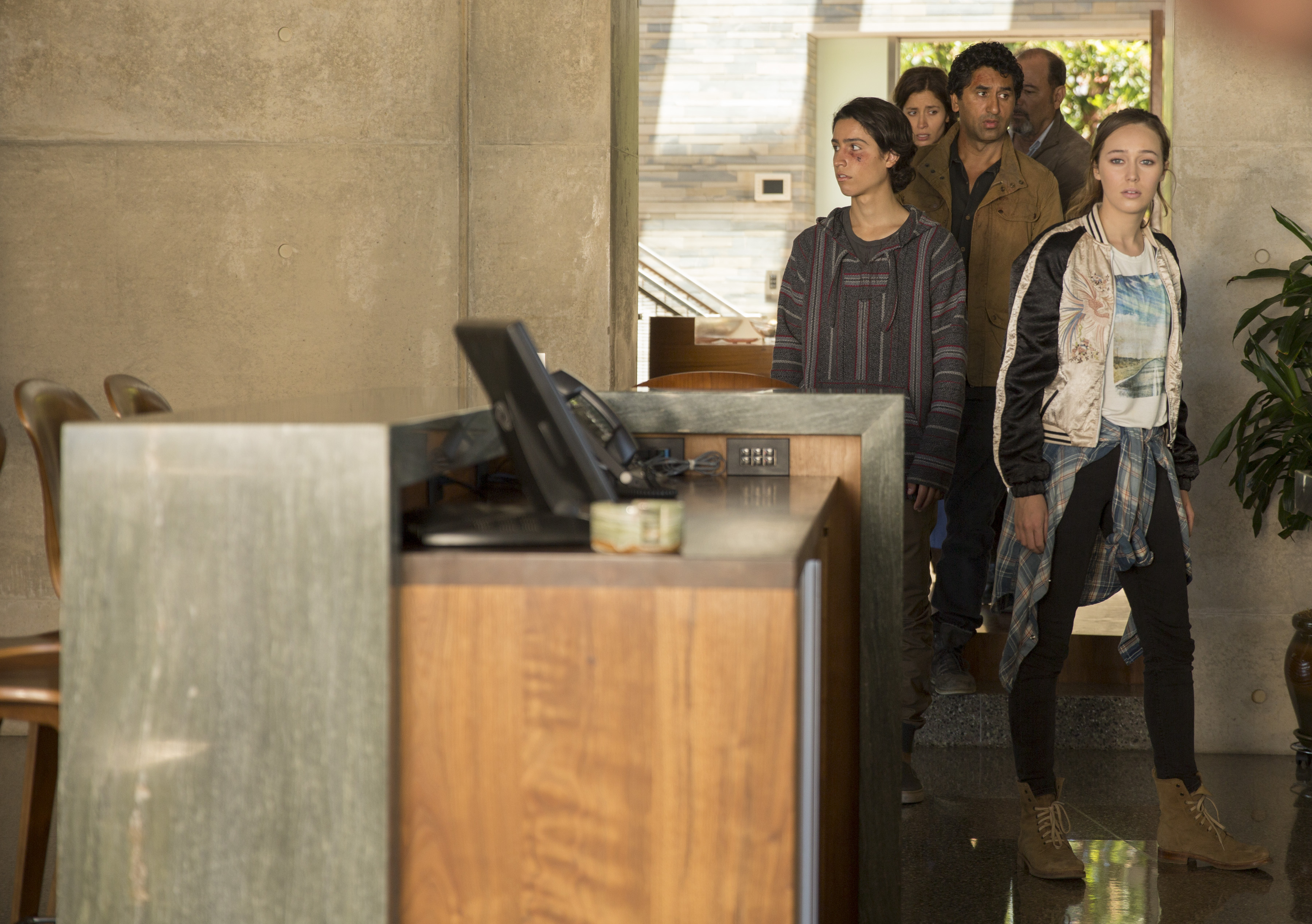 Review: 'Fear The Walking Dead' Season 1 Struggled To Carve Its Own Path | IndieWire