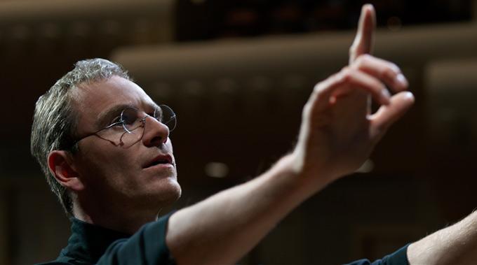 6819e487e17 NYFF: Michael Fassbender Resurrects the Real 'Steve Jobs' and Mocks Ashton  Kutcher