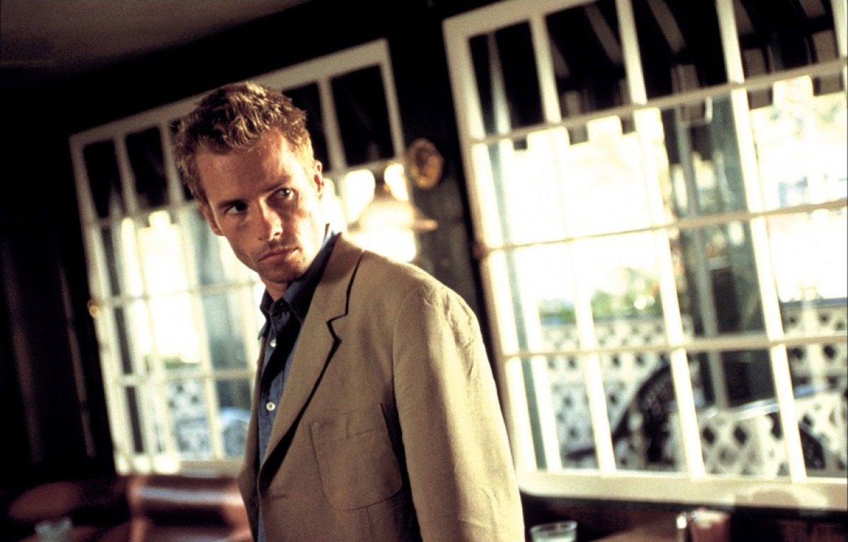 memento indiewire remake of christopher nolan s memento in the works