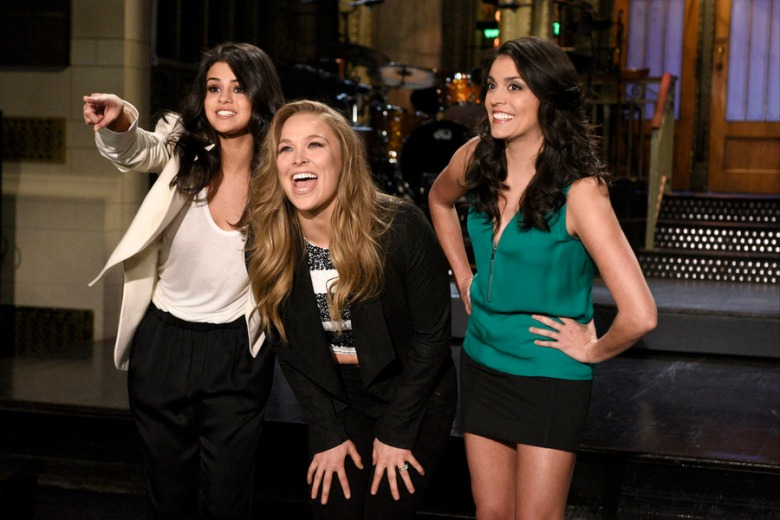 saturday night live review ronda rousey earns a split decision as