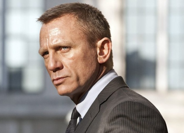 Bond 25 Confirms Rami Malek and Full Cast, Phoebe Waller-Bridge Writing, and Jamaica Setting