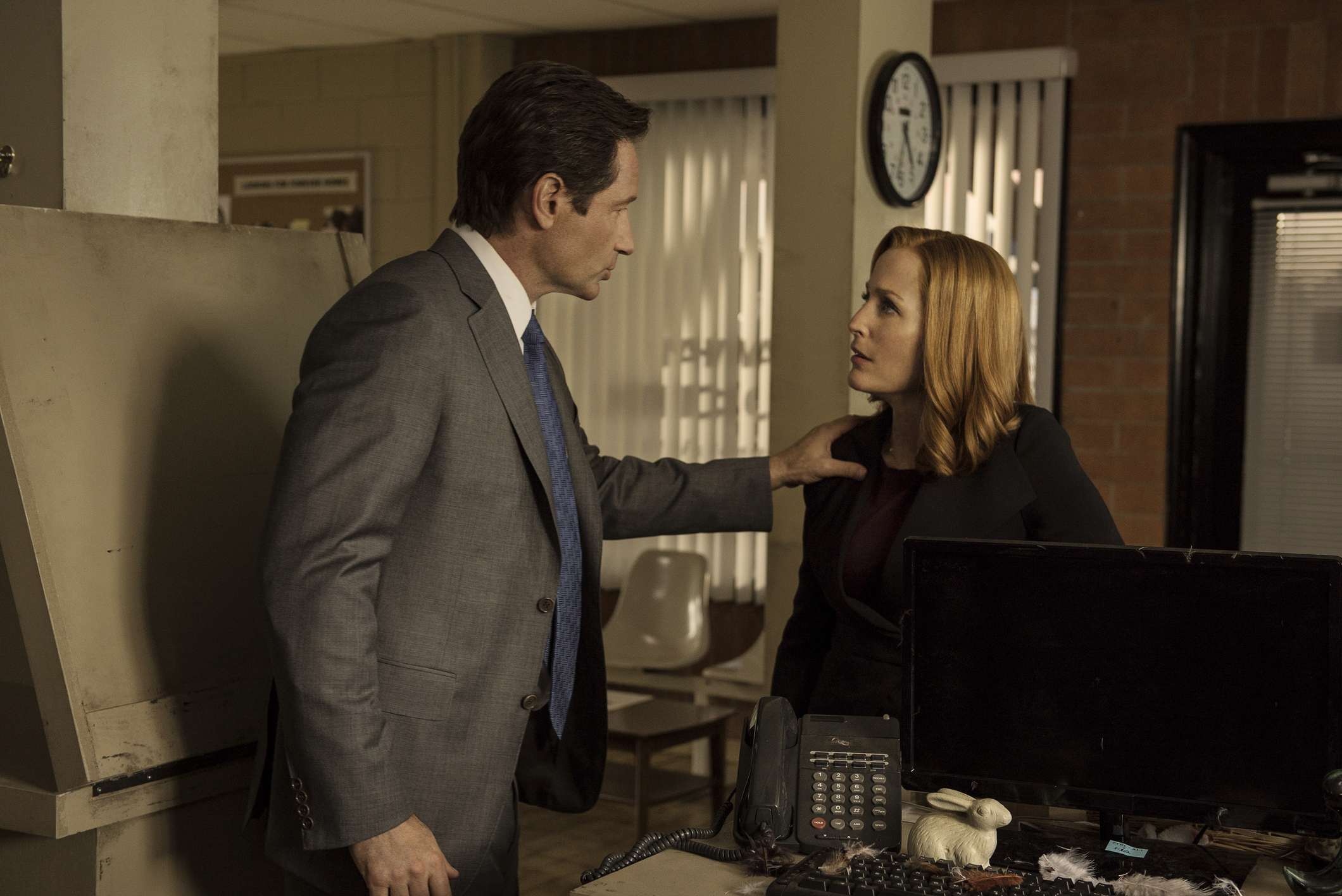 Gillian Anderson Busts The X-Files With This Surprising Sexist Statistic!