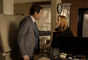 "David Duchovny and Gillian Anderson, ""The X-Files"""