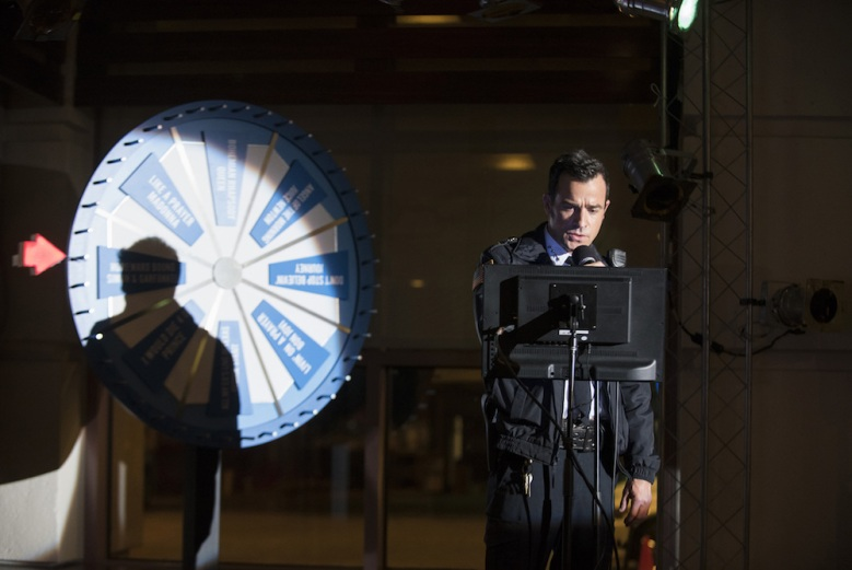 The Leftovers Season 2 Episode 10 Karaoke Scene Justin Theroux