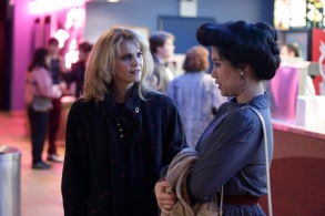 """THE AMERICANS -- """"The Magic of David Copperfield V. The Statue of Liberty Disappears"""" Episode 408 (Airs, Wednesday, May 4, 10:00 pm/ep) -- Pictured: (l-r) Keri Russell as Elizabeth Jennings, Ruthie Ann Miles as Young-Hee. CR: Patrick Harbron/FX"""