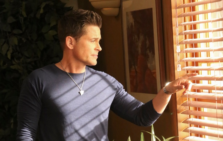"GRINDER: Rob Lowe in the ""Full Circle"" season finale episode of THE GRINDER airing Tuesday, May 10 (9:30-10:00 PM ET/PT) on FOX. ©2016 Fox Broadcasting Co. Cr: Patrick McElhenney"