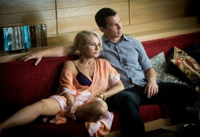 ANIMAL KINGDOM Ellen Barkin & Shawn Hatosy
