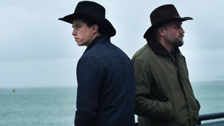 Finnegan Oldfield and François Damiens in Les Cowboys