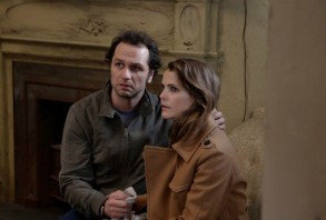 The Americans - Matthew Rhys as Philip Jennings, Keri Russell as Elizabeth Jennings.