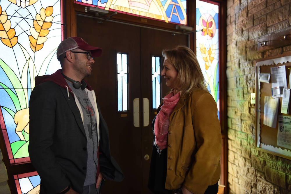 "Damon Lindelof & Mimi Leder on the set of ""The Leftovers"" Season 3"