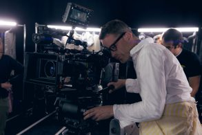 "Nicolas Winding Refn on the set of ""The Neon Demon"""