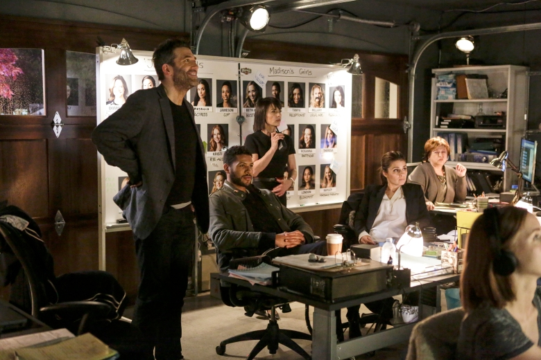 "Craig Bierko, Jeffrey Bowyer-Chapman, Constance Zimmer, Shiri Appleby and Amy Hill in ""UnREAL."""
