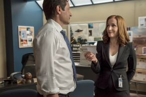 """David Duchovny and Gillian Anderson in """"The X-Files."""""""