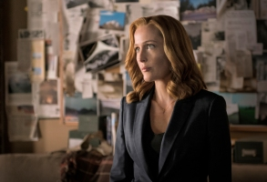 "Gillian Anderson in ""The X-Files."""