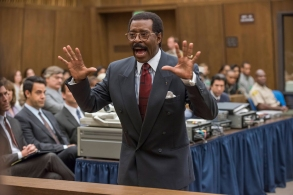 """THE PEOPLE v. O.J. SIMPSON: AMERICAN CRIME STORY """"The """"Verdict"""" Episode 110 (Airs Tuesday, April 5, 10:00 pm/ep) -- Pictured: Courtney B. Vance as Johnnie Cochran. CR: Prashant Gupta/FX"""