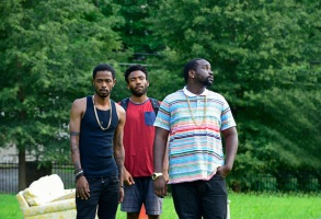 """ATLANTA """"The Big Bang"""" Episode 101 (Airs Tuesday, September 6, 10:00 pm e/p) Pictured: (l-r) Keith Standfield as Darius, Donald Glover as Earnest Marks, Brian Tyree Henry as Alfred Miles. CR: Guy D'Alema/FX"""
