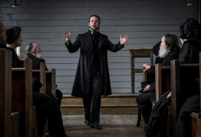 Guy Pearce in Brimstone