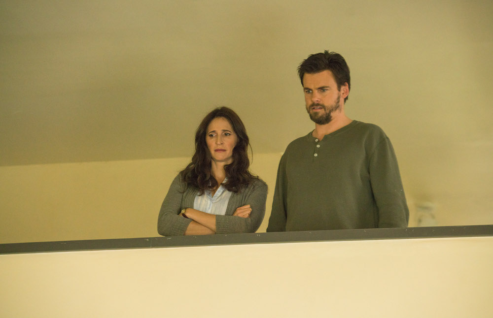 Michaela Watkins as Valerie Meyers, Tommy Dewey as Alex Cole - Casual_Season 2, Episode 13, Photo credit: Greg Lewis/Hulu