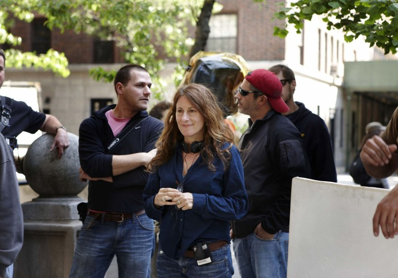 "Nicole Holofcener on the set of ""Please Give"""