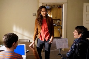 """SPEECHLESS - """"N-E-NEW A-I-AIDE"""" - Maya struggles as Kenneth takes over as JJ's full-time aide. Loving his new freedom, JJ avoids attending a physical therapy appointment, and Maya automatically blames Kenneth, using any excuse to confirm her misgivings and moves to fire him. Meanwhile, Jimmy struggles to teach Dylan the family way to not be so neighborly, on """"Speechless,"""" WEDNESDAY, SEPTEMBER 28 (8:30-9:00 p.m. EDT), on the ABC Television Network"""