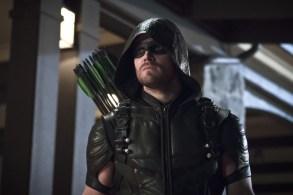 "Arrow ""Blood Debts"" Stephen Amell as The Arrow"