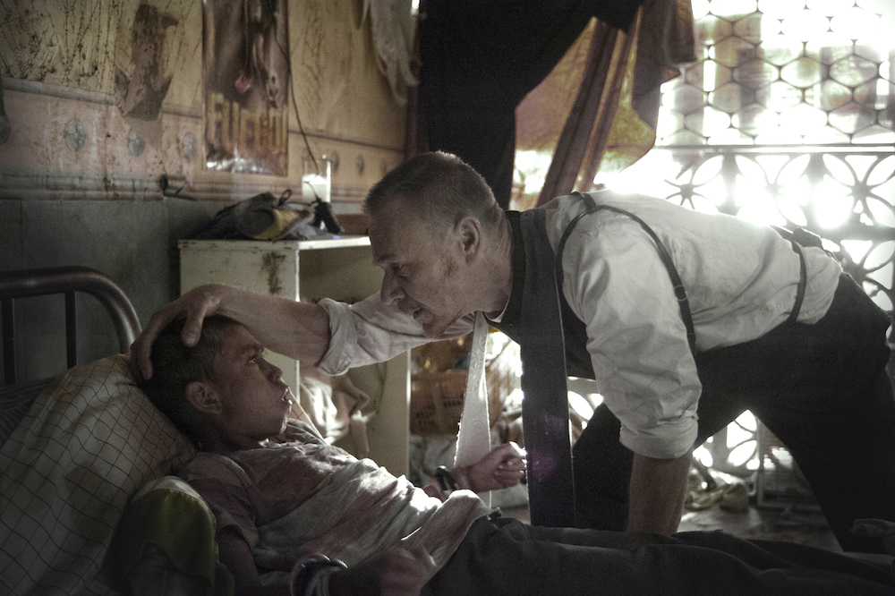 THE EXORCIST: L-R: Guest star Isaac Linares and Ben Daniels in THE EXORCIST premiering Friday, Sept. 23 (9:00-10:00 PM ET/PT) on FOX. ©2016 Fox Broadcasting Co.