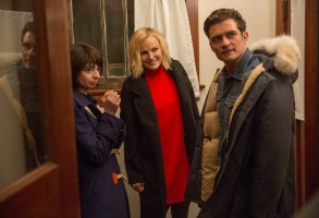 """Kate Micucci, Malin Akerman and Orlando Bloom in """"Easy."""""""