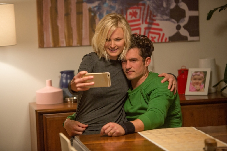 Easy Malin Akerman & Orlando Bloom Netflix