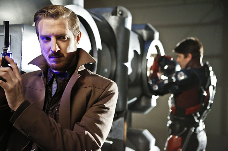 "Arthur Darvill and Brandon Routh in ""DC's Legends of Tomorrow."""