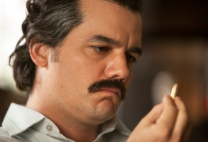 "Wagner Moura in ""Narcos"""