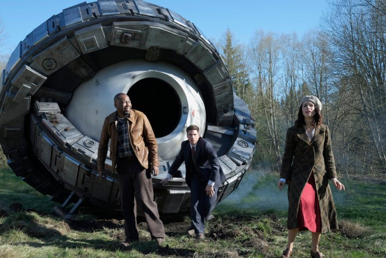 "TIMELESS -- ""Pilot"" -- Pictured: (l-r) Malcolm Barrett as Rufus Carlin, Matt Lanter as Wyatt Logan, Abigail Spencer as Lucy Preston"