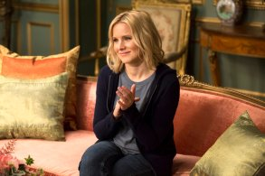 """THE GOOD PLACE -- """"Tahani Al-Jamil"""" Episode 103 -- Pictured: Kristen Bell as Eleanor"""