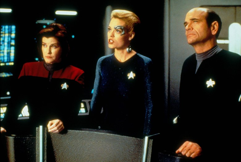 No Merchandising. Editorial Use Only. No Book Cover Usage. Mandatory Credit: Photo by Moviestore/REX/Shutterstock (1618293a) Star Trek: Voyager , Kate Mulgrew, Jeri Ryan, Robert Picardo Film and Television