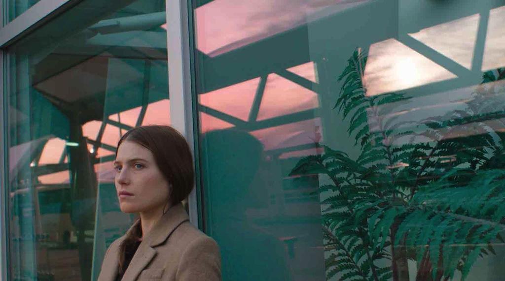 The people garden clip pamela anderson flies for a music - Pamela anderson the people garden ...