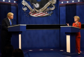 """SATURDAY NIGHT LIVE -- """"Margot Robbie"""" Episode 1705 -- Pictured: (l-r) Alec Baldwin as Republican Presidential Candidate Donald Trump and Kate McKinnon as Democratic Presidential Candidate Hillary Clinton during the """"Debate Cold Open"""" sketch on October 1, 2016 -- (Photo by: Will Heath/NBC)"""