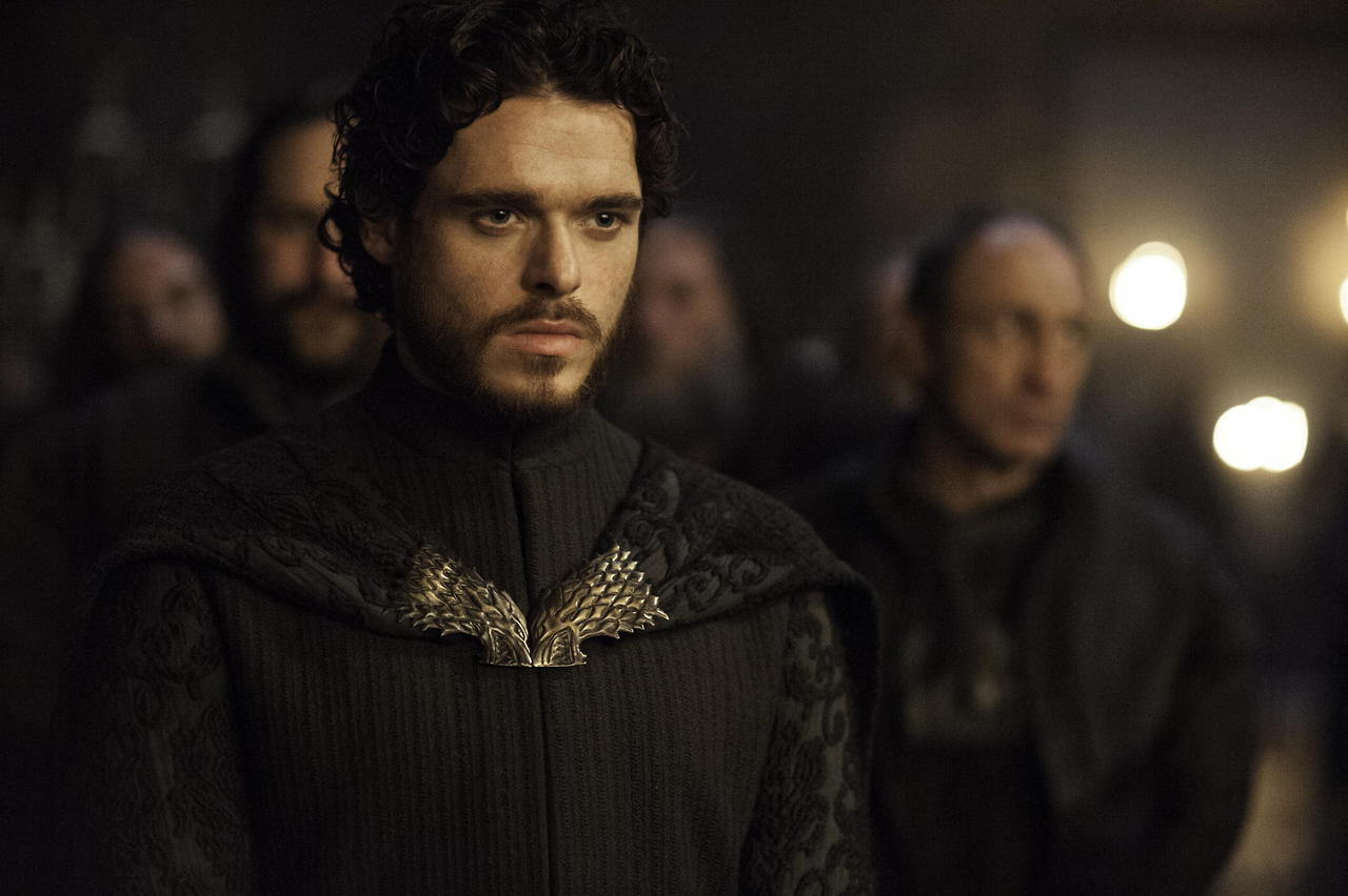 Richard Madden Thinks the 'Game of Thrones' Cast Deserves a Medal