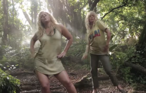 """Amy Schumer and Goldie Hawn in """"Get in Formation"""""""