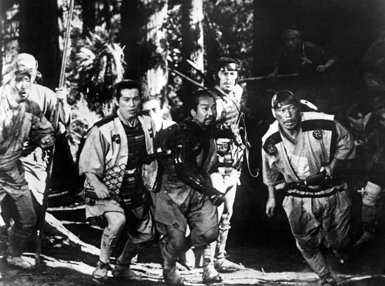 THE SEVEN SAMURAI, (aka SHICHININ NO SAMURAI), Isao Kimura, Toshiro Mifune, Takashi Shimura, 1954.