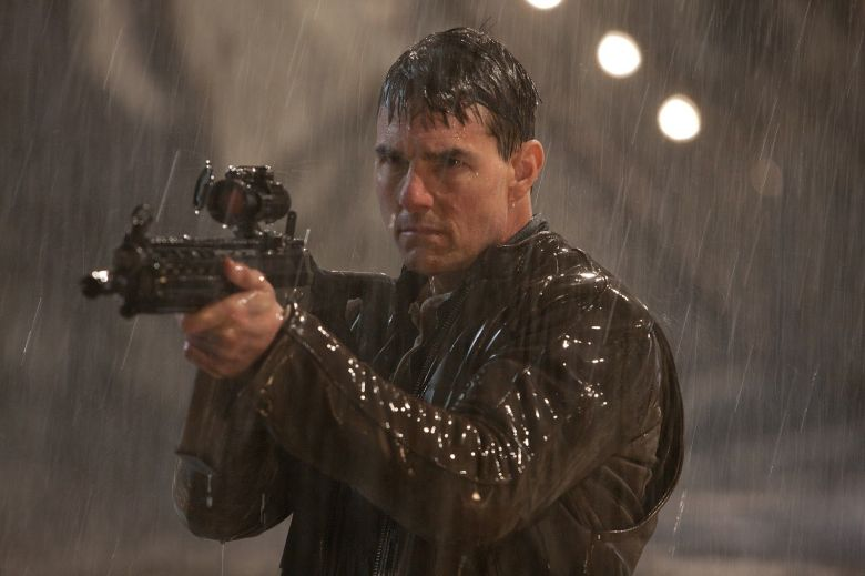 Tom Cruise as Jack Reacher in Never Go Back