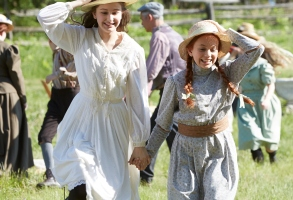 "Julia Lalonde as Dianna Barry and Ella Ballentine as Anne Shirley, ""Anne of Green Gables"""